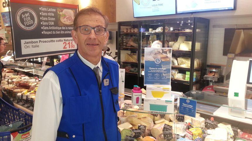 Jean-François Onno, manager charcuterie chez Carrefour à Bourges.