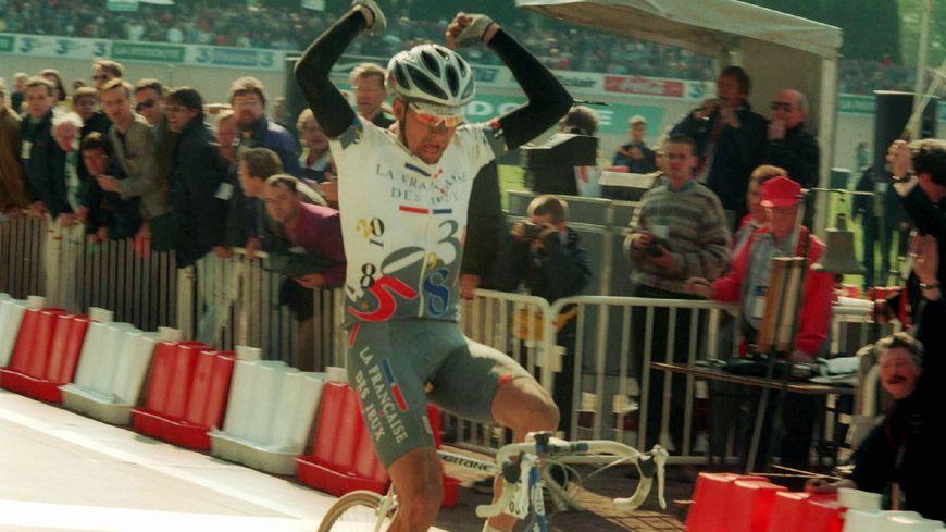 Frédéric Guesdon, lors de sa victoire au vélodrome de Roubaix
