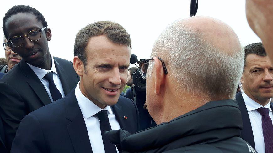 Emmanuel Macron lors de sa précédente visite dans les Côtes d'Armor en juin dernier, ici au Cap Fréhel