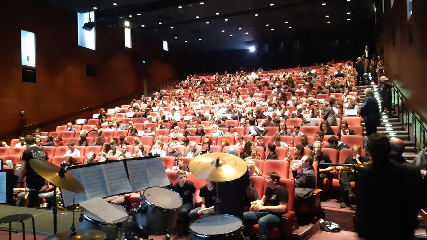Salle comble à la Cinémathèque Française pour assister à la projection des courts-métrages.
