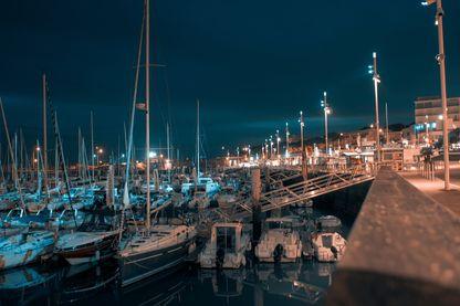 Dans le port de Royan