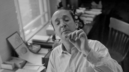 Épisode 1 : La Vraie Vie de Vladimir Nabokov