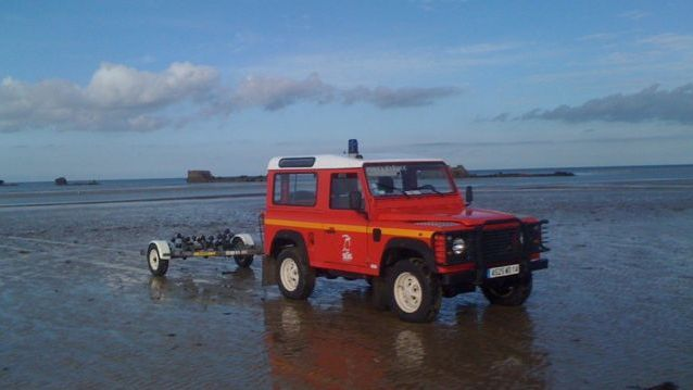Les pompiers du Calvados ont pu ramener à terre les 6 personnes piégées par la marée (Photos d' illustration)