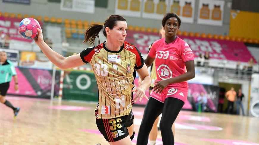 Les Niçoises (en maillot or) ont éliminé les joueuses de Fleury en quart de finale des playoffs.