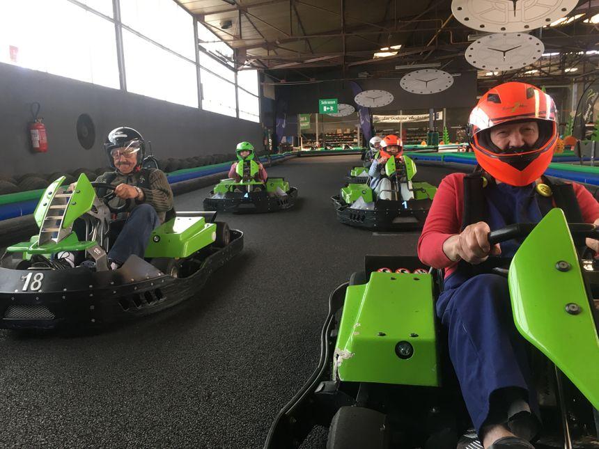 """L'EHPAD de Champeix au karting """"Speedomax"""" de Clermont-Ferrand"""