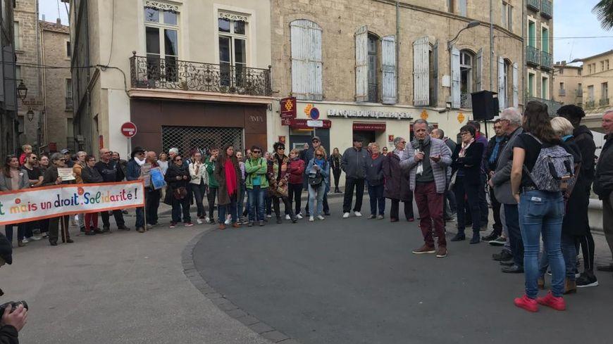 Les habitants de Pézenas attentifs à l'intervention du maire