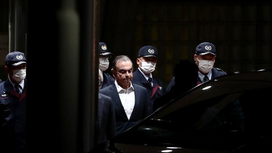 Carlos Ghosn à sa sortie de prison, ce jeudi.