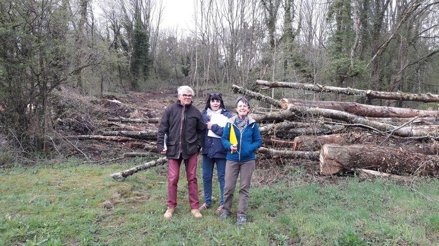 """Christian Guetton, Anne Richet et Marie-France Peuch de l'association """"Saint-Genès Environnement"""""""