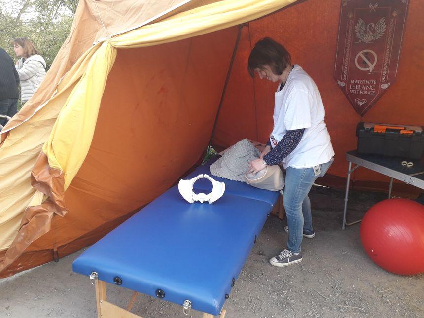 L'aire d'accouchement d'urgence au bord de la départementale 925