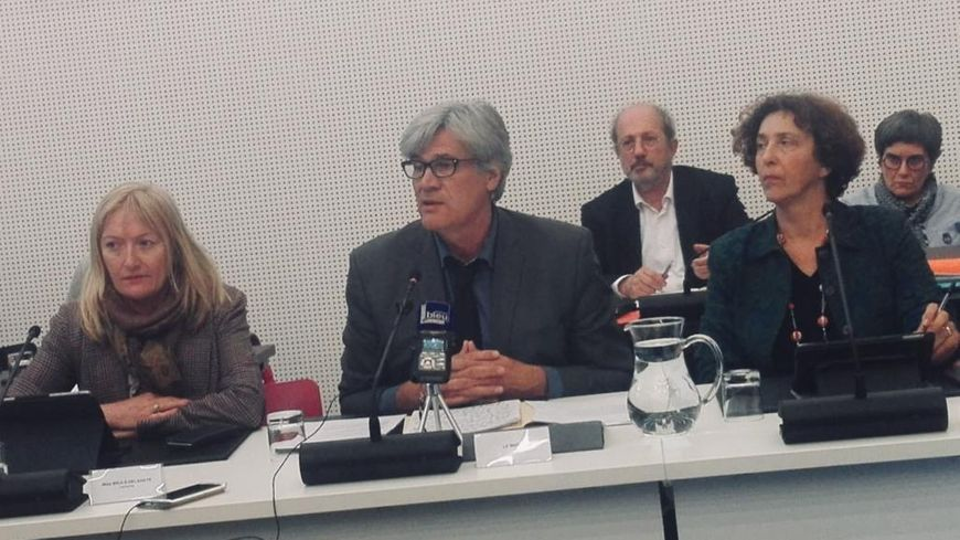 Le maire du Mans, Stéphane Le Foll, s'est exprimé sur le dossier des forains en ouverture du conseil municipal ce mercredi soir.