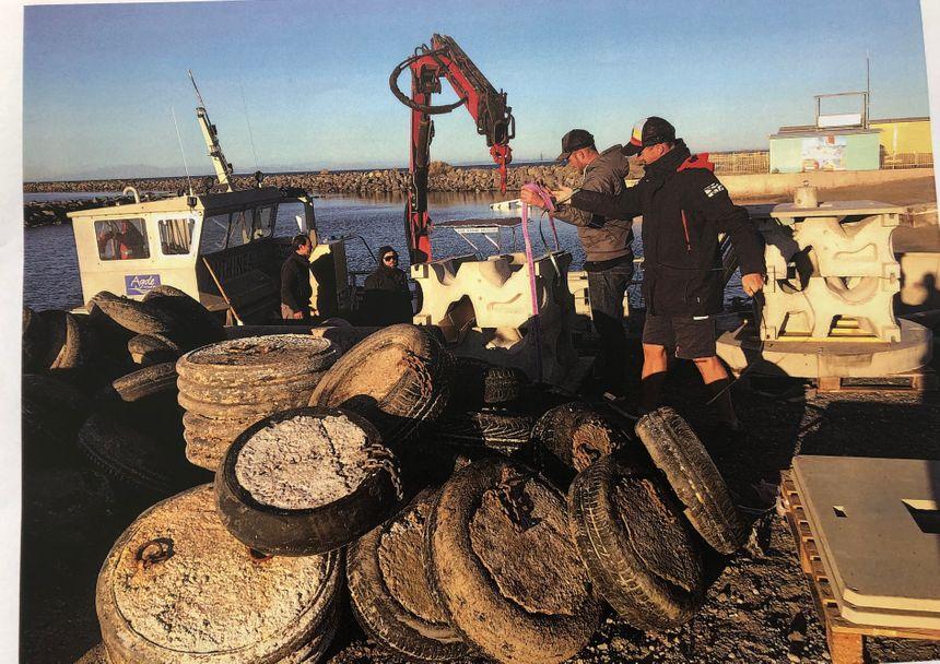 Les vieux pneus en béton vont être remplacés par les récifs artificiels