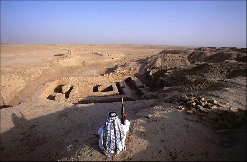 Site archéologique d'Uruk dans le sud de l'Irak (vers 3 300 av. J.-C.)