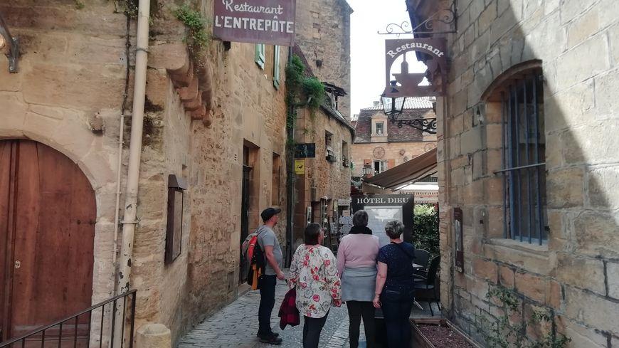 Les Espagnols déjeunent et dînent plus tard que les Français