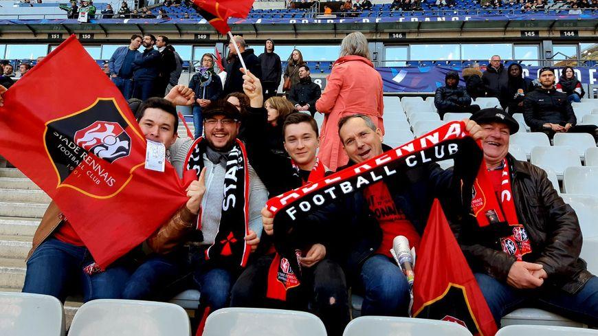 Les supporters du Stade Rennais dans les tribunes du Stade de France.