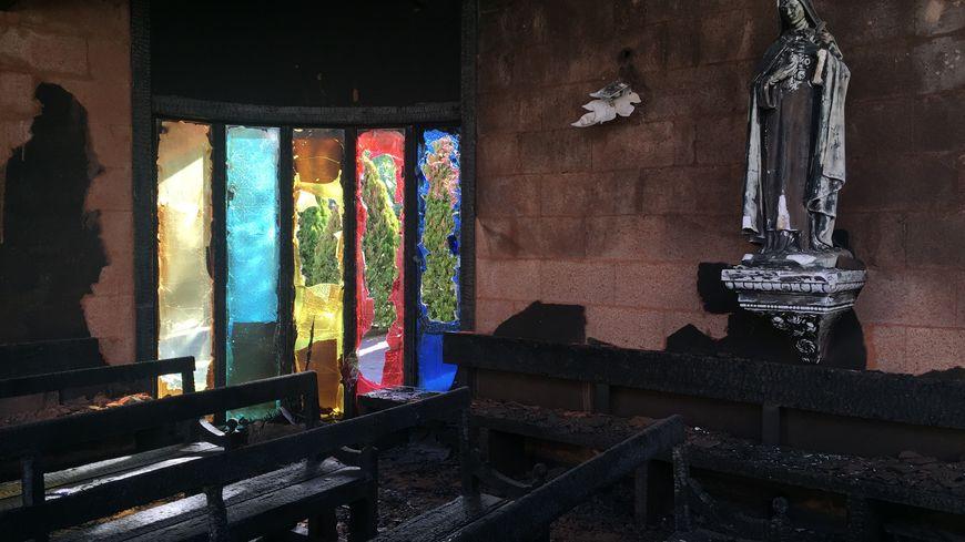 Dans la nuit de mercredi 16 à jeudi 17 janvier, l'église Saint-Jacques a été complètement détruite par les flammes.