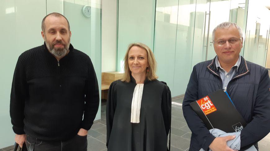L'avocate du CE des fonderies fonte Me Ménard et les délégués cgt Tony Clep et Alain Delaveau