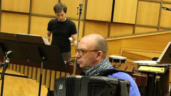 Pascal Contet (accordéon), Raphaël Simon (percussions)