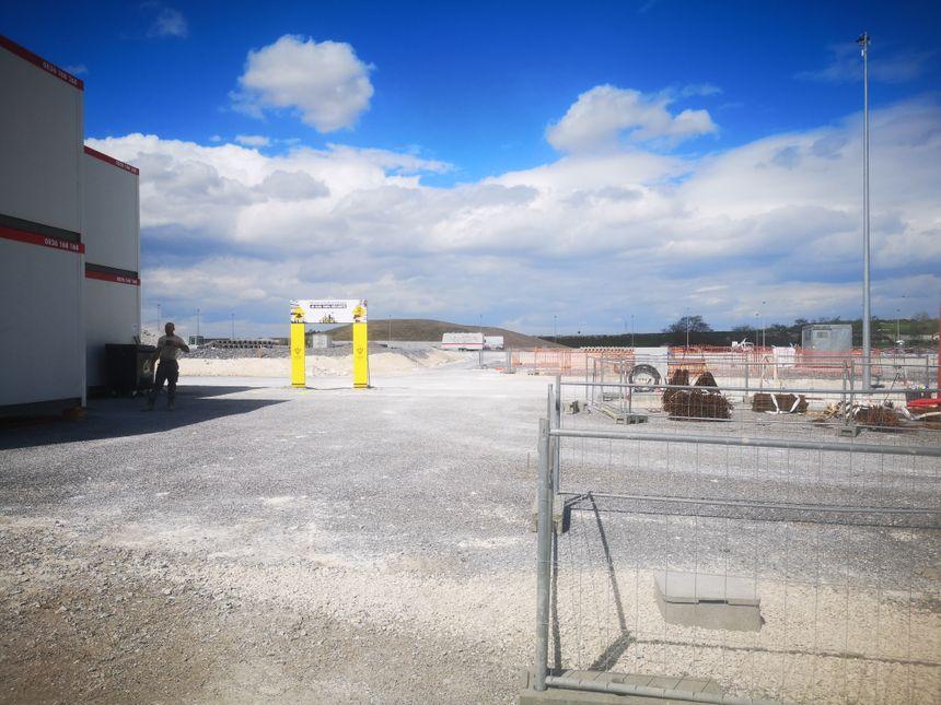 Prochaines étapes du chantier : le montage des bâtiments dès le mois de mai, puis les unités fonctionneront petit  à petit entre décembre 2019 et octobre 2020