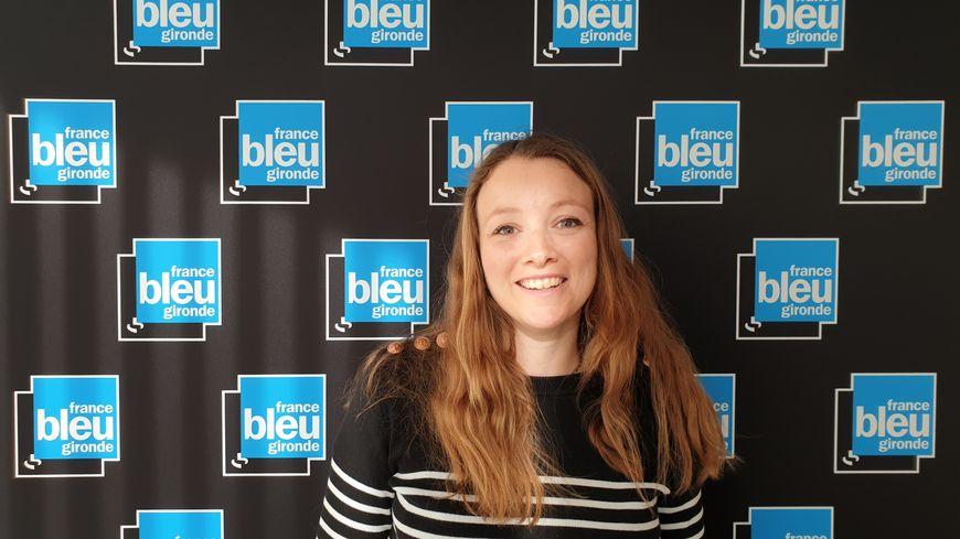Elodie Martinak dans les studios de France Bleu Gironde