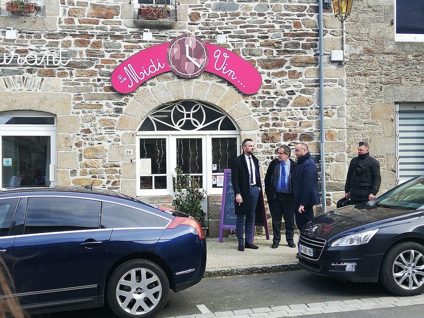 Le député rennais Florian Bachelier devant le restaurant où s'est arrêté Emmanuel Macron