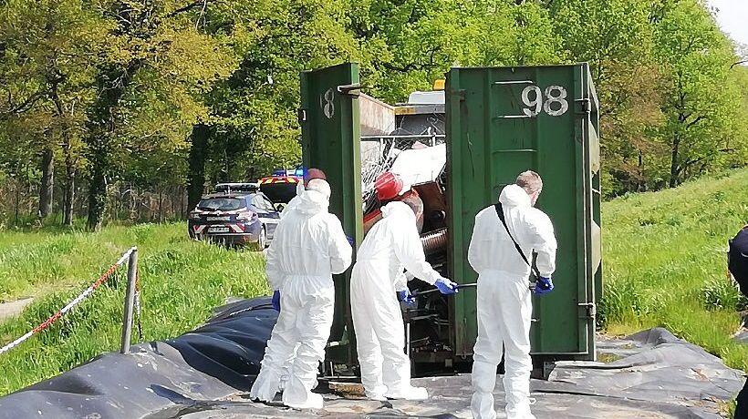 La benne a été isolée et inspectée au centre de recyclage de Chézy (Allier)