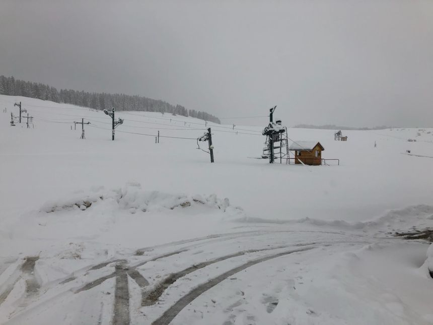 Près de 50 centimètres de neige sont tombés aux Fourgs dans le Haut-Doubs.