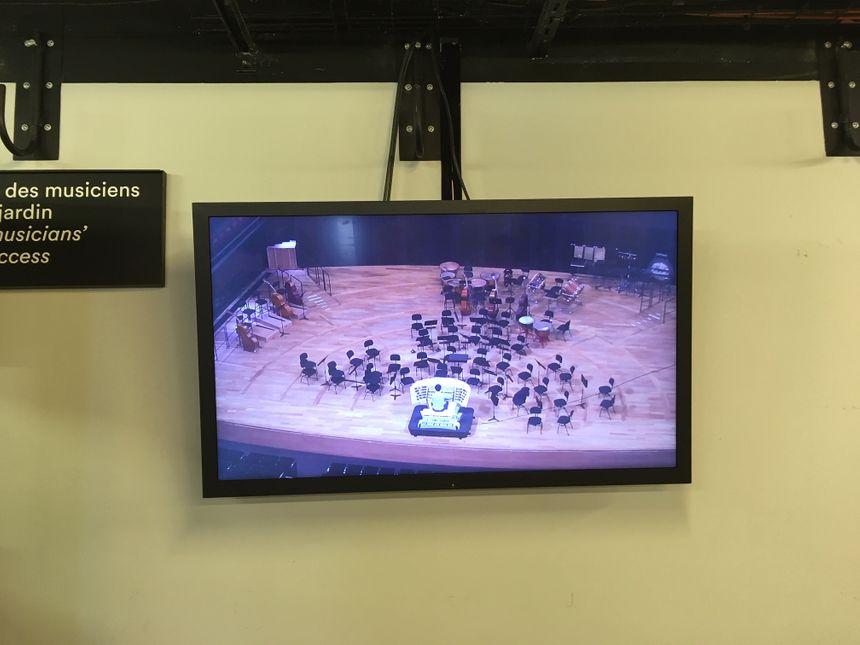 Ecran coulisse - Grande salle Pierre Boulez de la Philharmonie de Paris