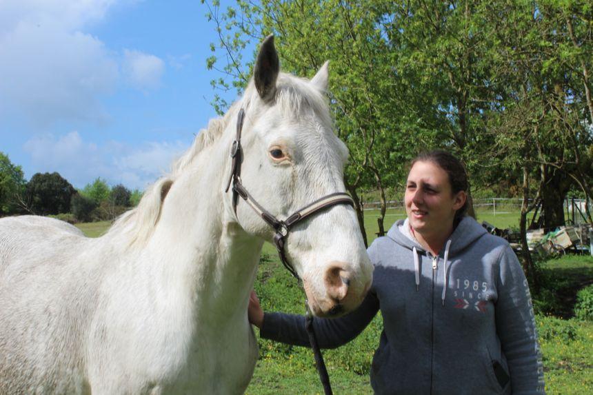 Lupin, le cheval de Mélanie, a perdu un fidèle compagnon