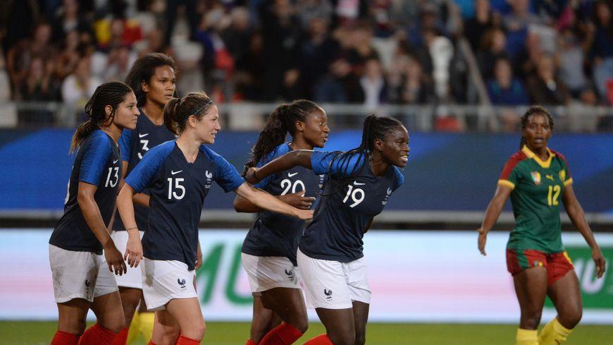 L'équipe de France féminine de foot contre le Cameroun en 2018