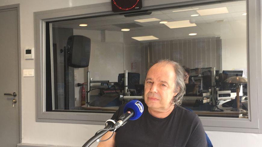 Philippe Djian en direct dans notre studio
