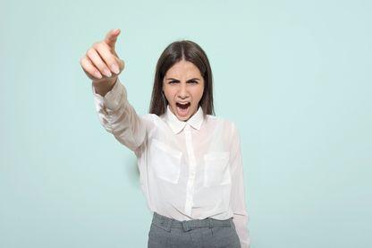 Comment se faire respecter en cas d'agression verbale ?