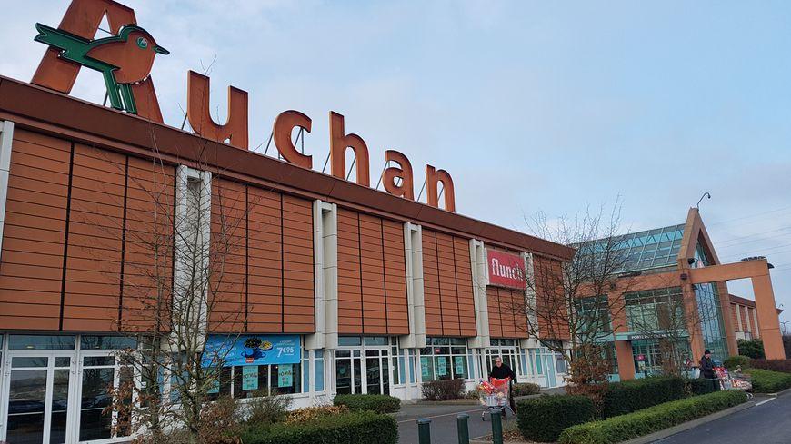 L'hypermarché Auchan Roncq, dans la métropole lilloise, est l'un des plus grands magasins de l'enseigne nordiste en France