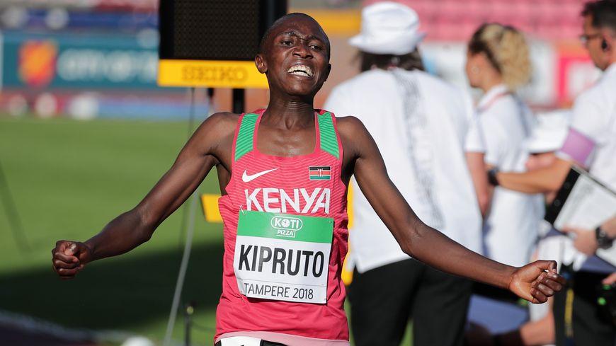 C'est le Keynian Rhonex Kipruto qui sera chargé de faire tomber le record ce mercredi 1er mai