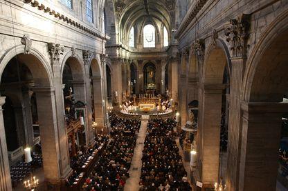 Messe célébrée en l'église Saint-Sulpice, dans le VIe arrondissement de Paris.