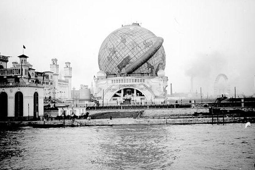 Le Globe Céleste, construit pour l'Expo Universelle de 1900