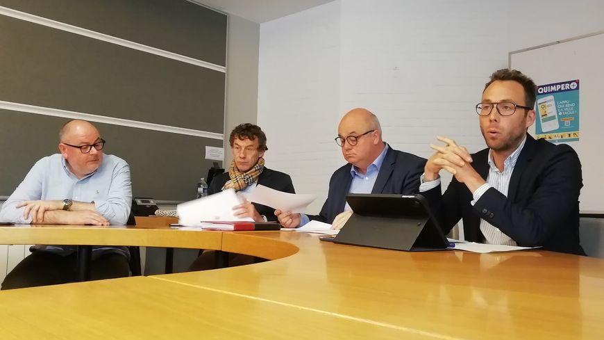 Dominique Scoarnec, Georges-Philippe Fontaine, Ludovic Jolivet le maire, et Guillaume Menguy