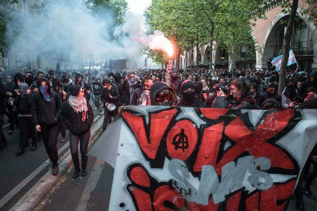 """""""Black Bloc"""" lors d'une manifestation à Paris"""