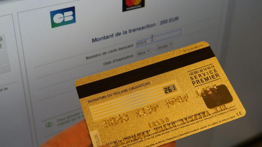 Carte Bancaire Volee.L Hopital Deux Personnes Depensent 17 500 Avec Une Carte