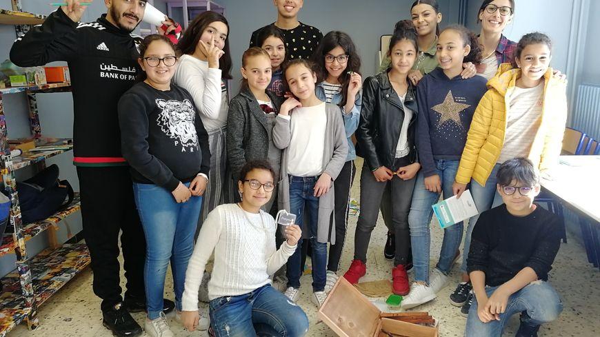 Des enfants du quartier Valdegour participent à un atelier au centre social Simone Veil