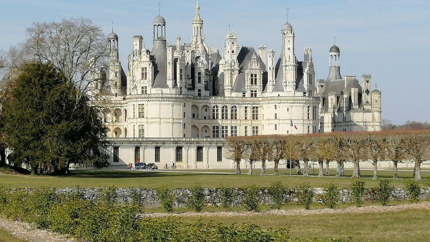 Au château de Chambord, huit agents de sécurité incendie veillent à prévenir tout incident.