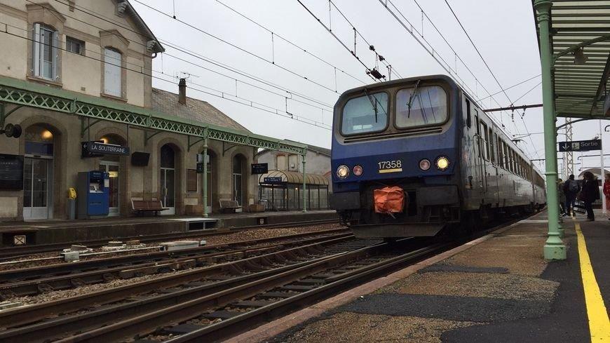 Train en gare de La Souterraine