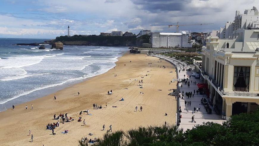 Pas de touristes ni de surfeurs pendant le G7 sur la Grande Plage de Biarritz. Au coeur de la zone rouge, elle sera interdite aux baigneurs et aux activités nautiques du 23 au 26 août.