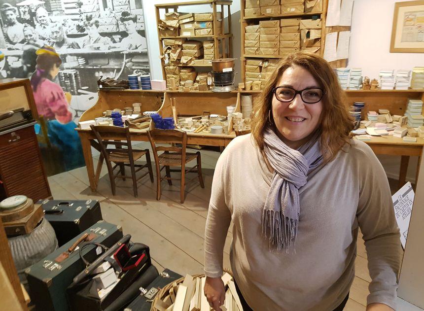 Valérie Vincent-Jardin au Musée du catonnage de Valréas.