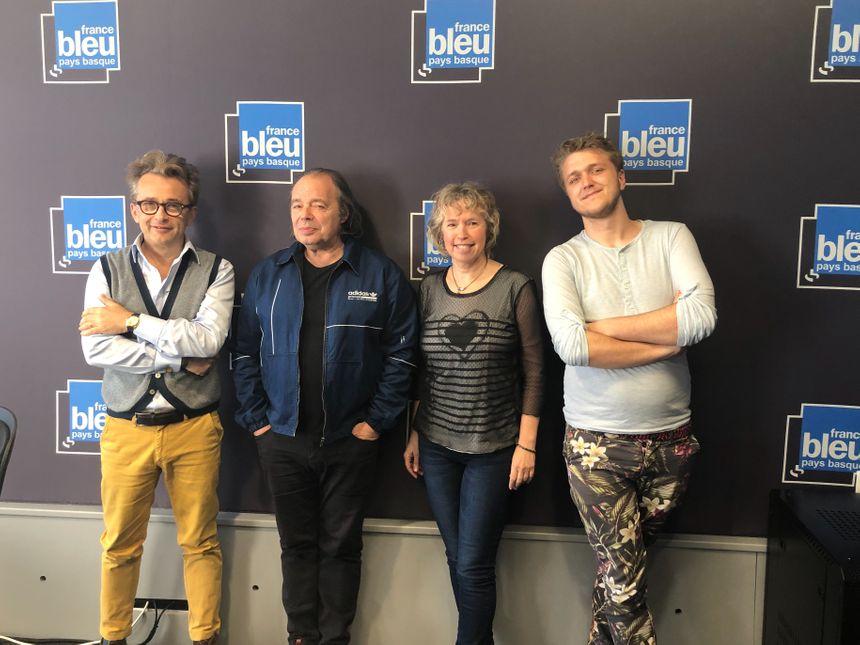 Guillaume Farré de la Maison Rouge, l'écrivain Philippe Djian, Isabelle Noguès et Simon Ains animateurs