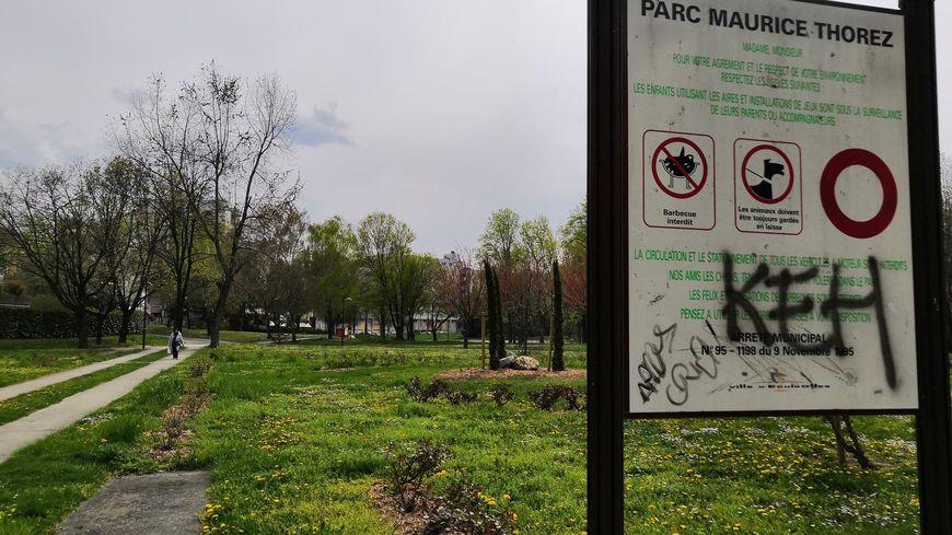 """Les habitants du quartier des Granges à Échirolles (Isère) se battent pour réhabiliter la réputation du parc Maurice Thorez et de leur quartier, théâtre du """"Drame d'Échirolles"""""""