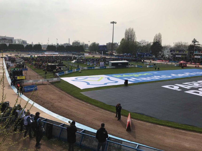 Vélodrome de Roubaix pour l'arrivée du Paris-Roubaix