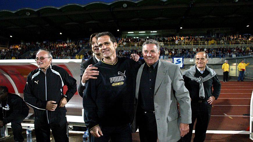 Jacques Prévost (en premier plan à droite) avec l'entraineur Philippe Hinschberger en 2006 lorsque les Chamois remontent en Ligue 2
