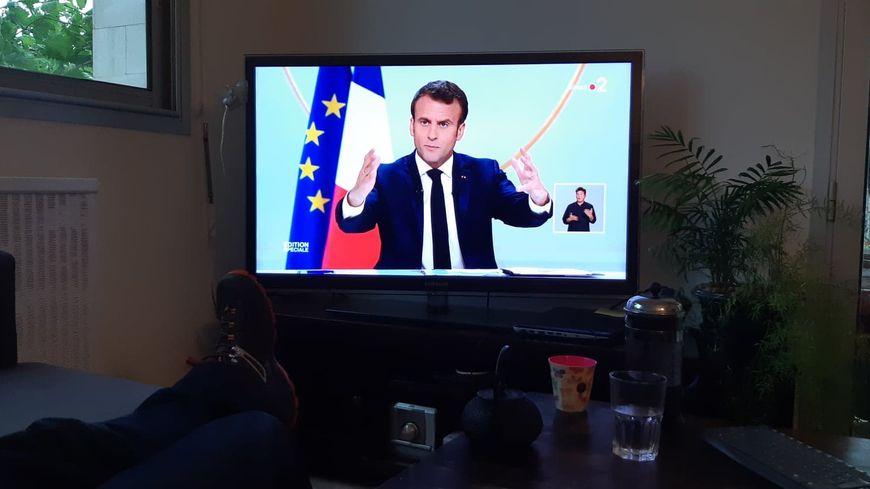 Emmanuel Macron s'adressait ce jeudi 25 avril en direct à la télévision aux Français avant de répondre aux questions de 300 journalistes.