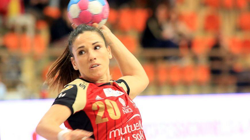 La joueuse de l'OGC Nice handball Carmen Martin a marqué 2 buts contre Brest