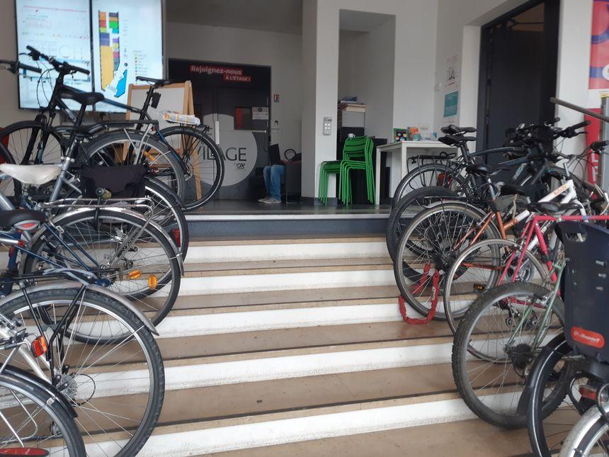.. et vélos à l'entrée : les codes start-up sont là!